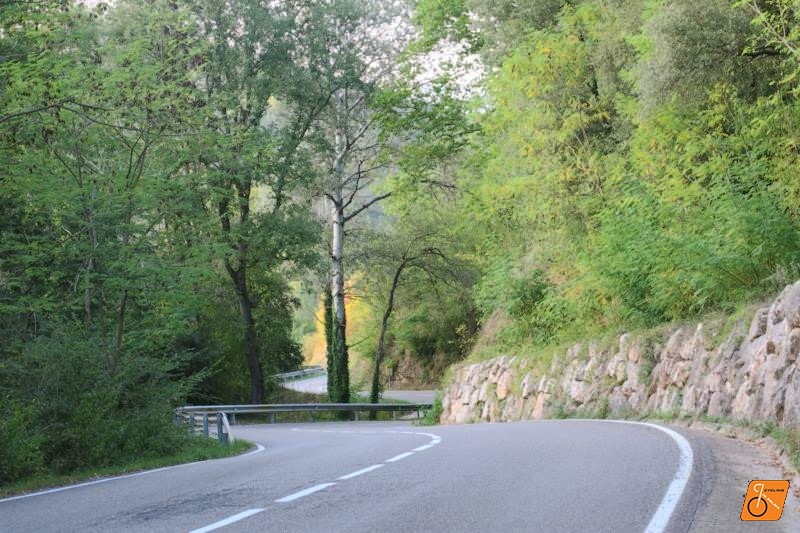 cycling routes in Pyrenees